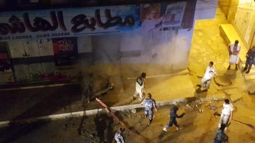 فرق الدفاع المدني بالمكلا تتدخل لإخماد حريق مطابع الهاشمية