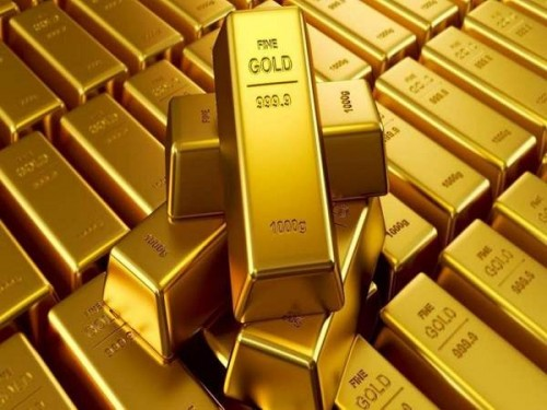 أسعار الذهب تقفز نسبيًا في ظل تراجع الدولار