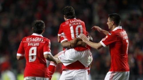 بنفيكا يتصدر الدوري البرتغالي بعد هزيمة بورتيمونينسي بخماسية