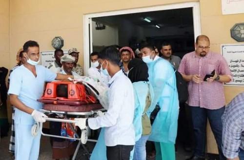 تفاصيل نقل 8 من أبناء سقطرى على متن طائرة خاصة للعلاج بالإمارات (صور)