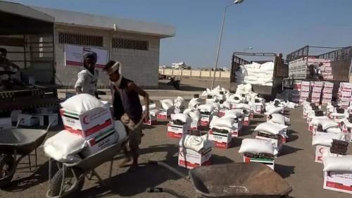 """مع دخول الشهر الكريم.. """"مير رمضان"""" تسد جوع فقراء اليمن"""