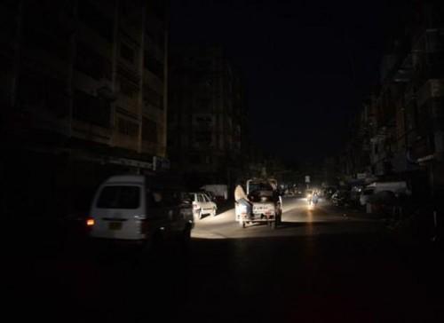 شكوى جماعية من انقطاع التيار الكهربائي في الشيخ عثمان بعدن