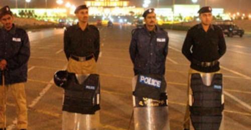 مقتل 4 جنود وإصابة 10 آخرين جراء عملية مسلحة بباكستان