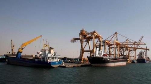 مصادر: مليشيات الحوثي تجري تجارب حية للألغام البحرية في الحديدة