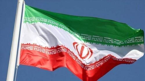 صحفي يُطالب شعب إيران بمواجهة إرهاب الملالي