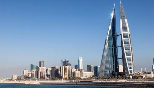 البحرين تتلقى أول دفعة من المساعدات الخليجية