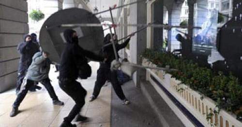 مجهولون يطلقون النار على عضو الكونجرس الأرجنتيني ومستشاره الخاص
