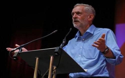 """زعيم العمال البريطاني محذرا مؤيدي بريكست: """" عليكم التفكر مليا """""""
