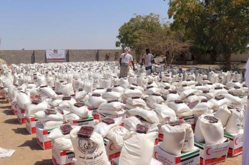 آلاف الوجبات يوميا..أيادي العطاء الإماراتية تنشر خيراتها في رمضان (ملف)