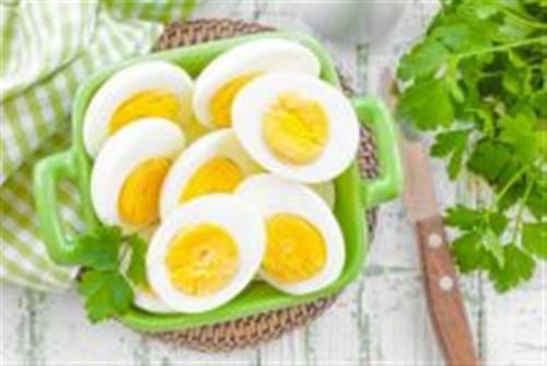 دراسة حديثة: تناول البيض بانتظام يحمي من فقدان البصر