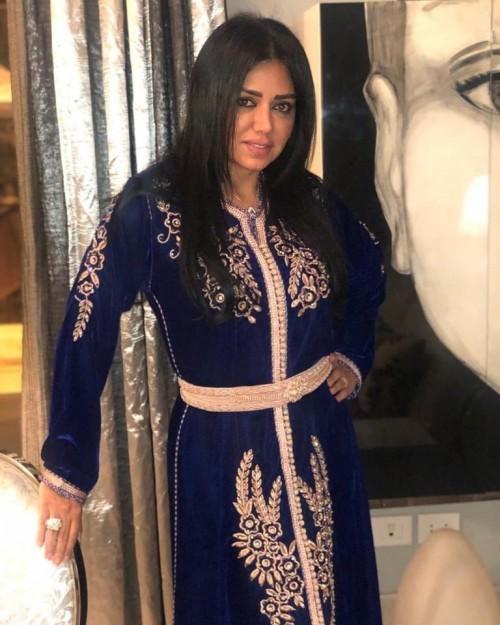 رانيا يوسف تتألق في جلسة تصوير جديدة بالقفطان المغربي (صور)