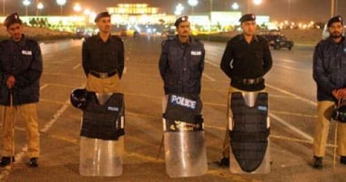 الأمن الباكستاني يفتش فندقا فاخرا بعد مقتل  5 أشخاص على يد مسلحين