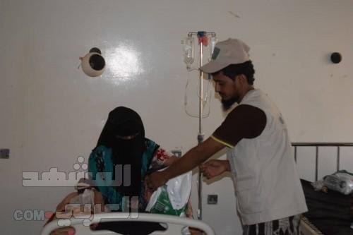 بدعم سعودي.. توزيع 1000 وجبة إفطار في الحوطة وتبن بلحج