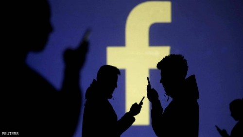 فيسبوك يحذف حسابات إيطالية تنشر أخبار كاذبة