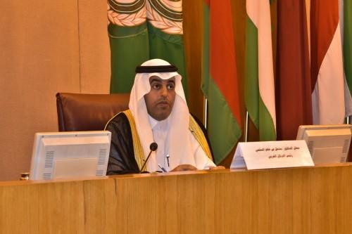 البرلمان العربي: استهداف السفن قرب المياه الإقليمية الإماراتية يستوجب تحرك المجتمع الدولي