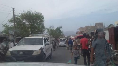 نقابة معلمي حبيل الجبر بردفان تسير قافلة مساعدات لجبهة شمال الضالع