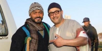 """شاهد كواليس ظهور تامر حسني في """"ولد الغلابة"""" مع أحمد السقا (فيديو)"""