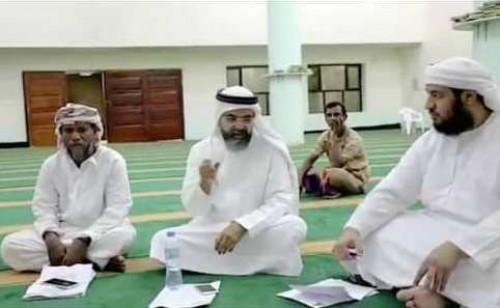 لجنة إماراتية تُخضع المشاركين في المسابقة القرآنية بسقطرى لاختبارات أولية