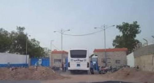 استشهاد أحد عمال مصنع يماني بنيران قناصة الحوثي في الحديدة