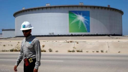 بعد الهجوم الحوثي على محطتي لأرامكو السعودية.. اسعار النفط ترتفع 1%