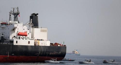 مع الاتهامات الجديدة لإيران والحوثي.. عمان تدين الهجوم على السفن التجارية قبالة الفجيرة