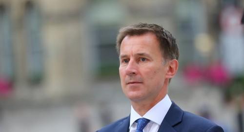 """وزير خارجية بريطانيا: الهجوم الحوثي على محطتي النفط بالسعودية """" خطأ """""""