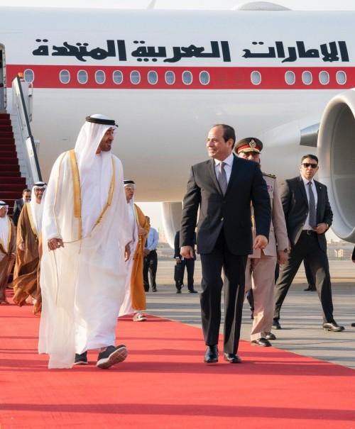 محمد بن زايد يعرب عن سعادته بلقاء الرئيس السيسي في مصر