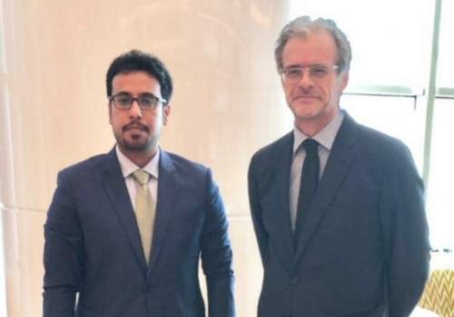 قيادي بالانتقالي الجنوبي يلتقي السفير الفرنسي لدى اليمن