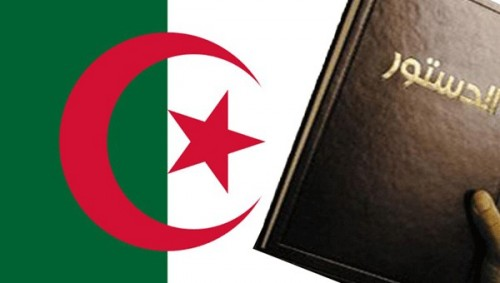 رئيس الوزراء الجزائري الأسبق يدعو إلى قراءة متأنية للدستور لإيجاد حل سياسي
