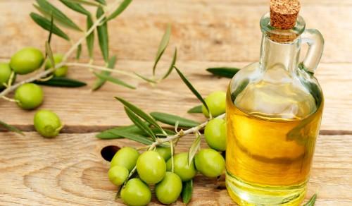 دراسة حديثة: زيت الزيتون يحمي الكبد من الملوثات الخارجية