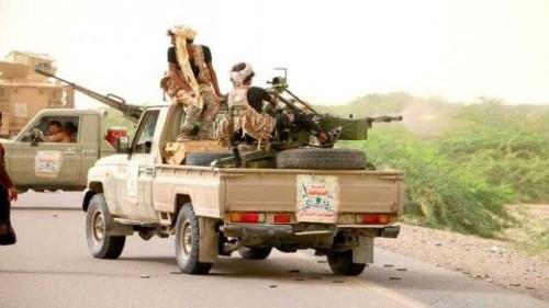 مليشيا الحوثي تواصل هجماتها على منازل المواطنين بحيس والتحيتا