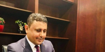 اليافعي يطالب إعلام الجنوب باقتلاع معين عبدالملك