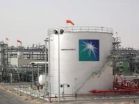 بجريمة محطات النفط.. الحوثي في بؤرة الصراع الأمريكي الإيراني (ملف)