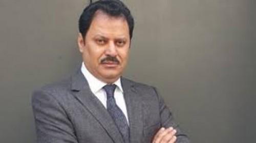 إعلامي يكشف فضيحة عن سفير قطر بغزة