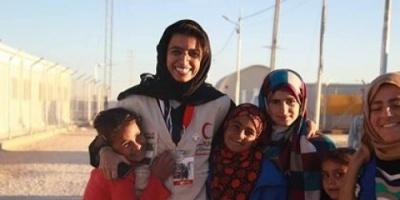""""""" هلال الخير """".. لوحة إنسانية إماراتية تعيد الحياة إلى أسرة يمنية معاقة"""