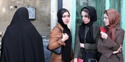 الحرس الثوري الإيراني يشن حملة اعتقالات على عارضات أزياء على الإنترنت