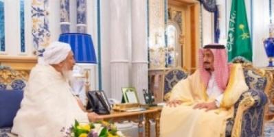 الملك سلمان يستقبل رئيس وأعضاء مجلس الإفتاء بالإمارات (صور)