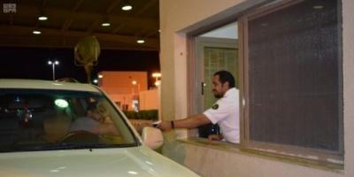 26 ألفاً من المحافظات الجنوبية والشمالية يعبرون الوديعة لتأدية العمرة