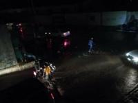 الأمطار تتسبب في انقطاع التيار الكهربائي عن العاصمة عدن