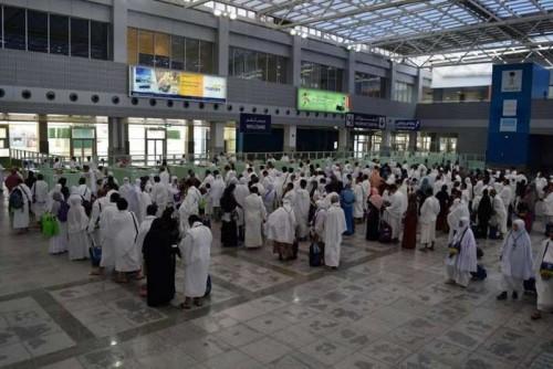 بعد اعتراض صاروخ حوثي.. مطار جدة يعمل بشكل طبيعي