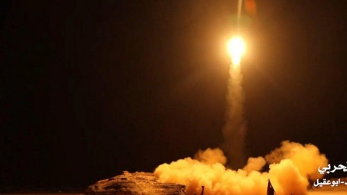 المواجهة الأمريكية الإيرانية.. طهران تختبئ في ظل الحوثي