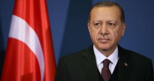 تقرير: تركيا سرحت 70% من كبار ضباط الجيش