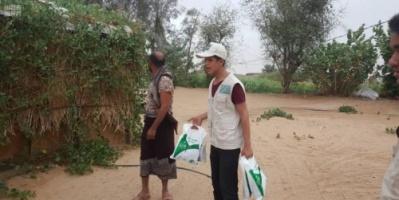 بدعم سعودي..توزيع 3862 وجبة إفطار في الضالع وحضرموت ومأرب (صور)