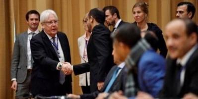 """المبعوث الأممي و""""الترقيع"""".. راية جريفيث التي تبحث عن """"تكافؤ"""" للحوثيين"""