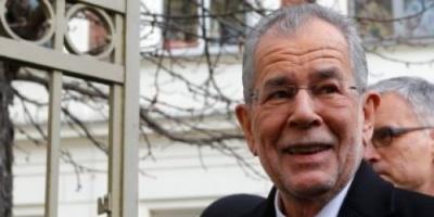 الرئيس النمساوي يجري مباحثات مع أعضاء الحكومة المؤقتة في البلاد