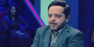 النجم محمد هنيدي يمازح آسر ياسين (صورة)