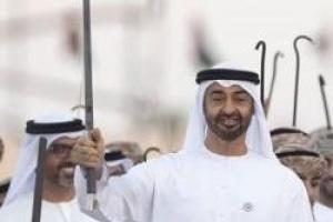 ولي عهد أبوظبي يناقش العلاقات الأخوية والقضايا المشتركة مع عاهل البحرين