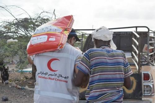 مكملات غذائية وسلال رمضانية.. هلال الإمارات يغيث المحتاجين في الساحل الغربي