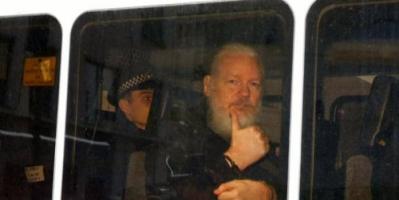 """أمريكا توجه 17 تهمة جديدة لمؤسس """"ويكيليكس"""".. """"التجسس"""" أبرزها"""