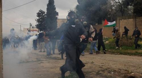 الاحتلال الإسرائيلي يقمع عشرات الفلسطينين خلال مسيرة كفر قدوم الأسبوعية